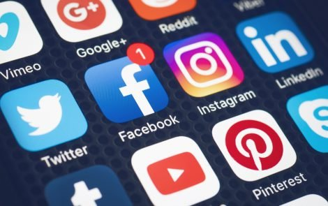 My Love-Hate Relationship with Social Media